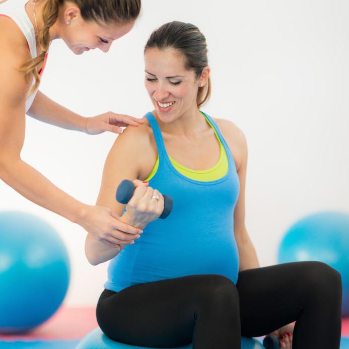 Coach sportif pour femme enceinte dans les Yvelines et les Hauts de Seine